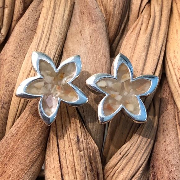 HWN Hawaiian Wearable Nature Jewelry - HWN sterling silver plumeria stud earrings